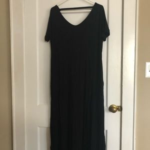 Dresses & Skirts - Black maxi dress